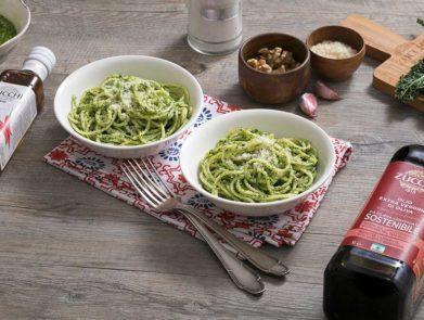 ricetta-spaghettoni-pesto-cavolo-nero-olio-Zucchi